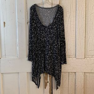 DKNY black white star print tunic Size 26/28